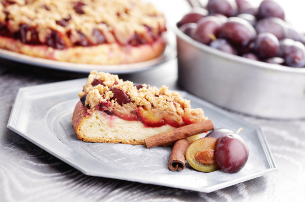 Easy Dessert Recipe: Fresh Plum Cake