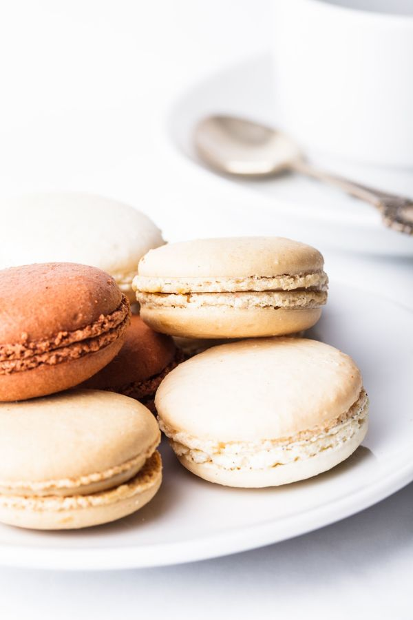 French Recipe: Almond And Buttercream-Filled Macarons