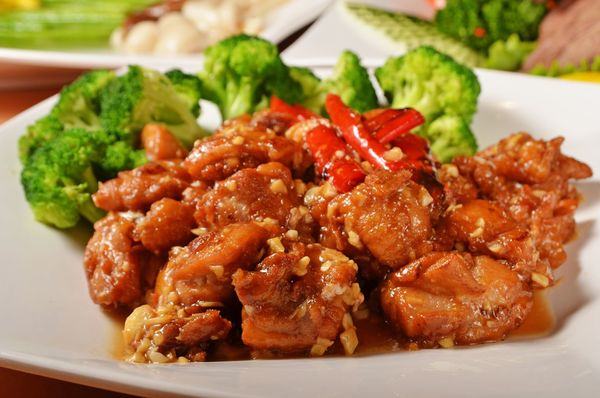 Mouthwatering Chinese Classic: Spicy General Tso's Chicken
