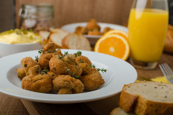 Crispy Appetizer Recipe: Breaded Cremini Mushrooms