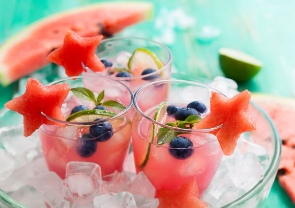Make Pool Time Even More Fun With This Fruity Beverage!