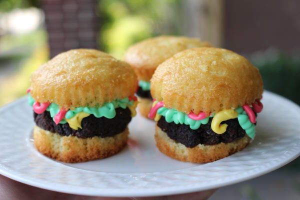 Hamburgers Like You've Never Had Them Before - They're The Cutest!!!