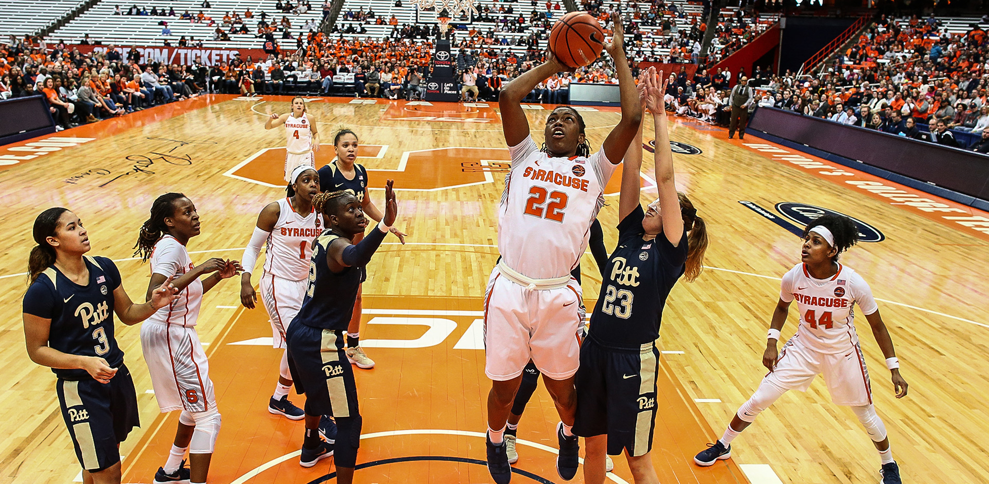 Orange Defeat Pitt Move To 10 0 At Home Syracuse University Athletics