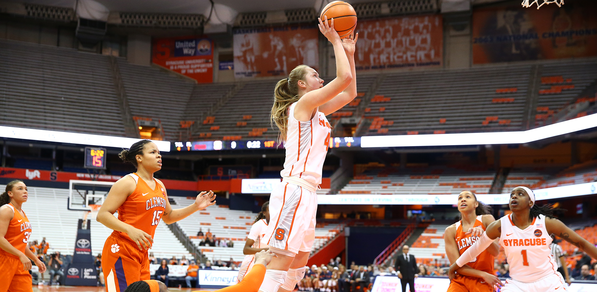 Cuse Rolls Past Clemson 81 56 Syracuse University Athletics