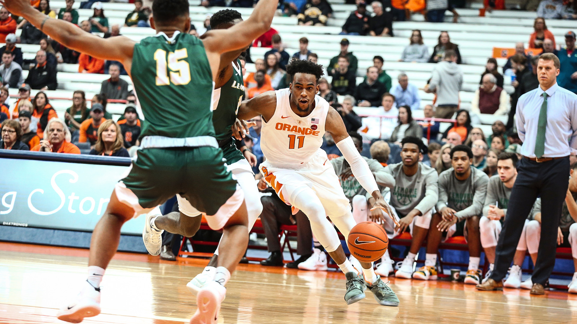 Hughes Paces Orange In 89 52 Win Against Le Moyne Syracuse