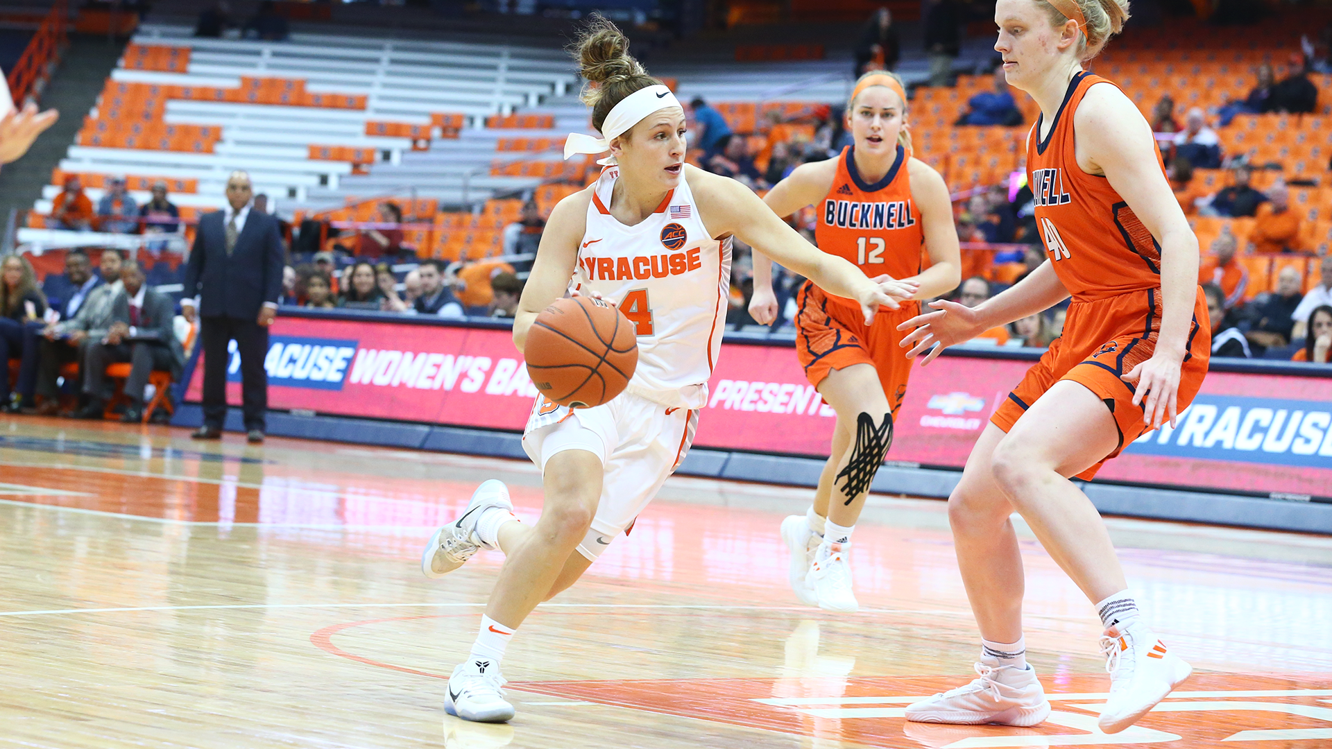 Tiana Mangakahia Women S Basketball Syracuse University Athletics