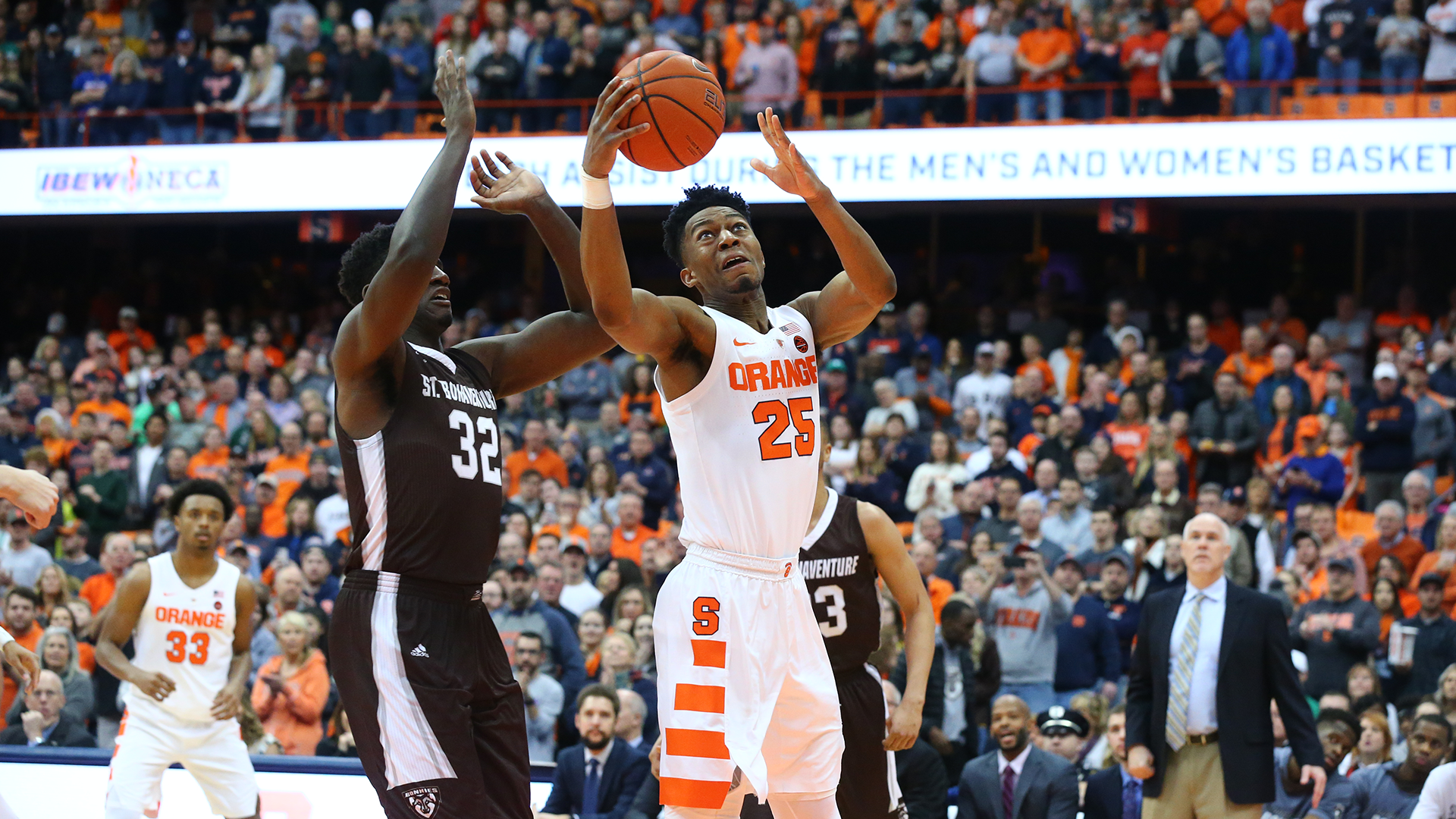 Syracuse Storms Past St Bonaventure 81 48 Syracuse University