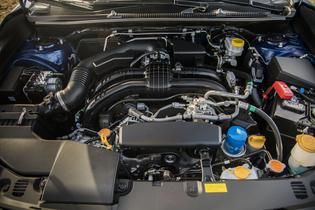 2017 Subaru Impreza-engine