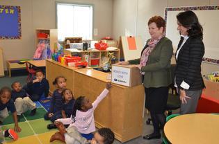 Subaru staff deliver school supplies to Cream Classroom