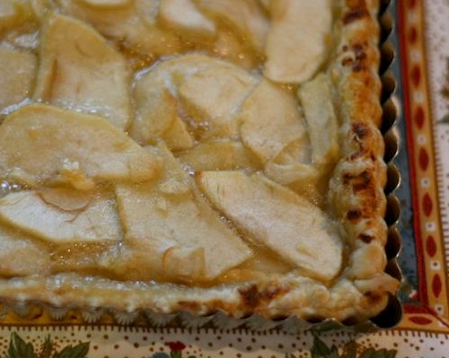 Apple, Honey and Goat Cheese Tart