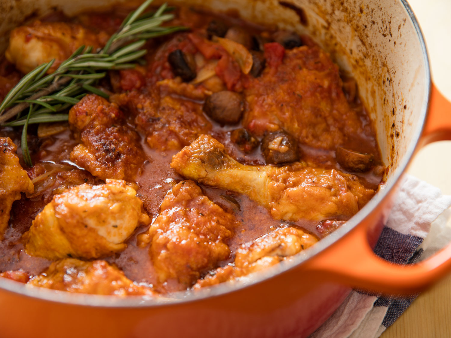 Chicken Cacciatore With Mushrooms, Tomato, and Onion Recipe