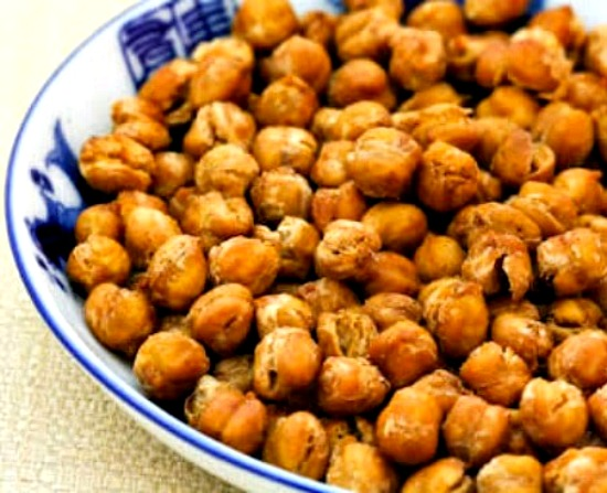 Crispy Roasted Chickpeas  with Moroccan Spices