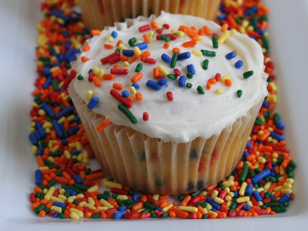 Gluten-Free Tuesday: Funfetti Cupcakes Recipe