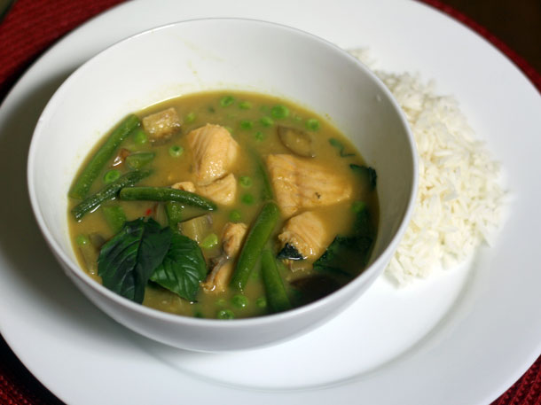 Green Curry With Lake Trout and Green Beans Recipe
