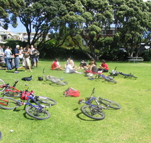 Thumb_nz_bike_picnic2