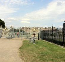Thumb_bike_ride_by_hampton_court_pallace