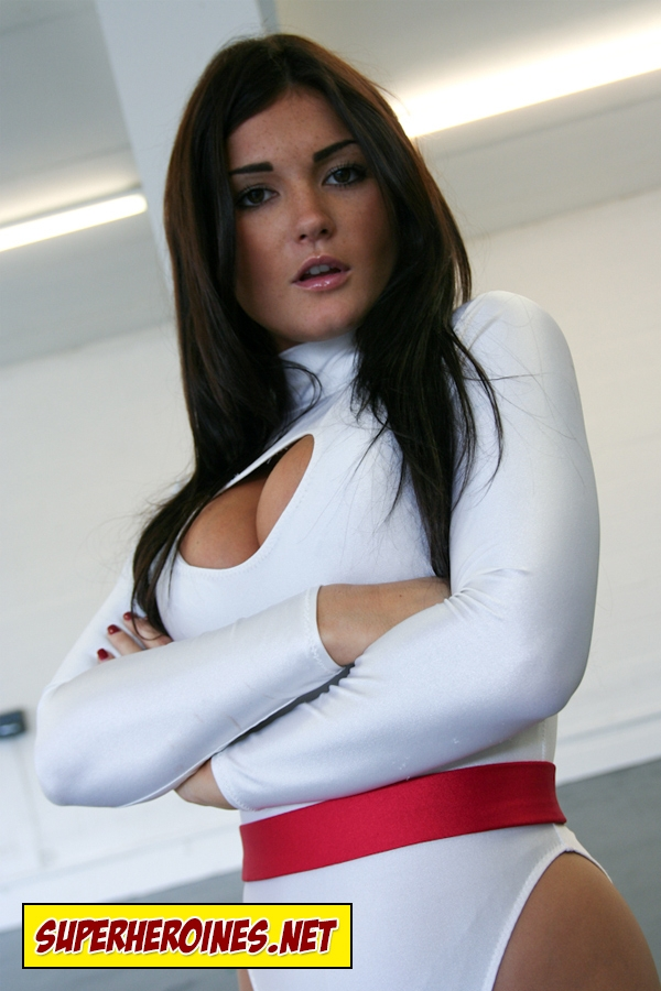 Model India Reynolds as superheroine Power Girl
