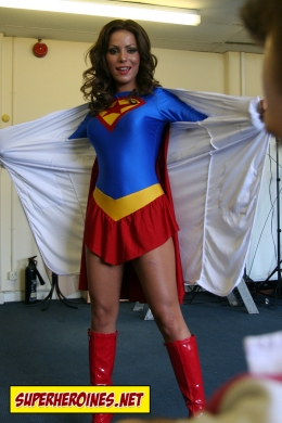 Layla Pearl revealing herself as Supergirl