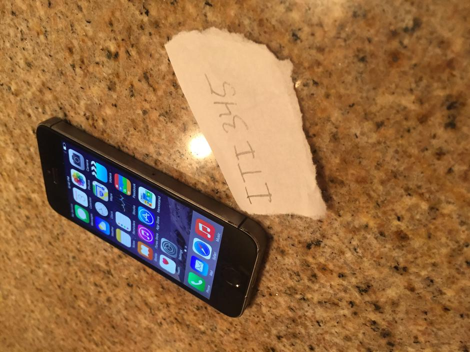 iphone 5s at t for sale iti345 apple iphone 5s at amp t for 259 swappa 8072