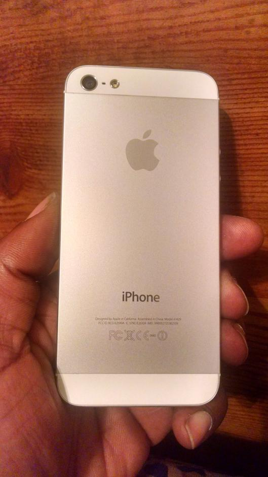 apple iphone 5 unlocked a1429 white 16 gb in mint condition for 160. Black Bedroom Furniture Sets. Home Design Ideas