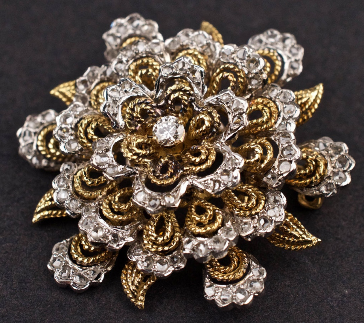 081ed107897 BJ220 Ladies Vintage Brooch in Yellow & White 18K GOLD with DIAMONDS 23.1g