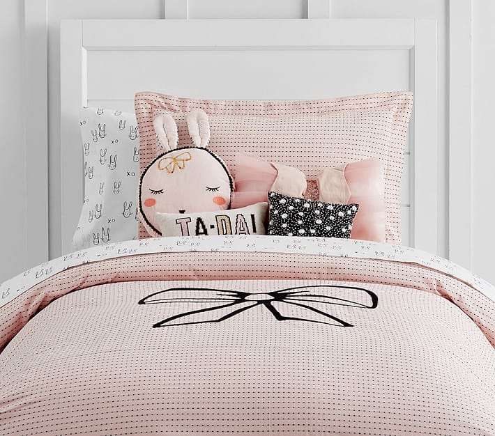 Kids room bedding