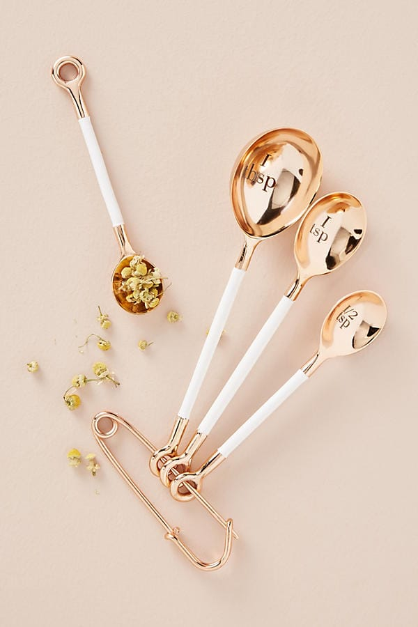 ​Gold measuring spoons