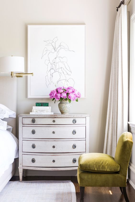 How to Decorate Above A Bed - Side Art
