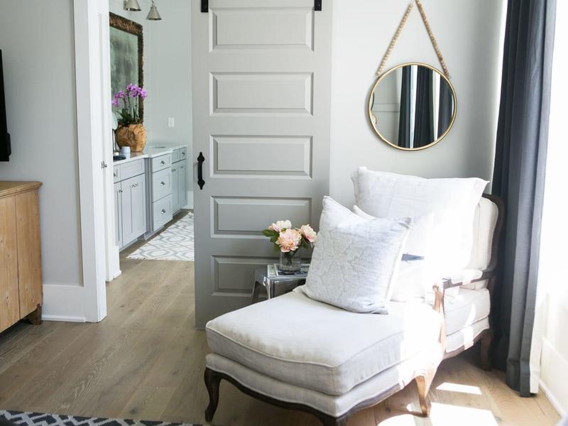 6 Ways to Decorate a Corner