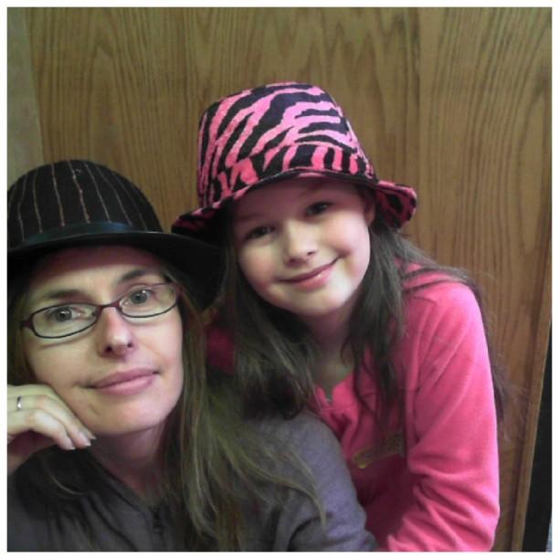 yasmina funny hat