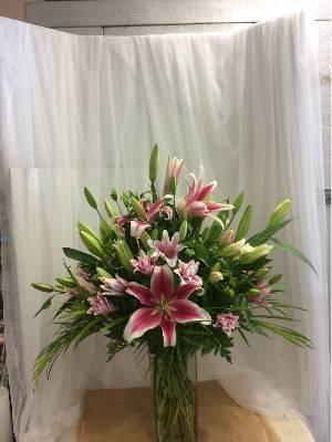 A 5 Star Customer Reviewed Flower Arrangement Designed by Flowermart in Jupiter, FL