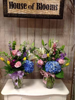 A 3 Star Customer Reviewed Flower Arrangement Designed by House of Blooms in Sugar Land, TX