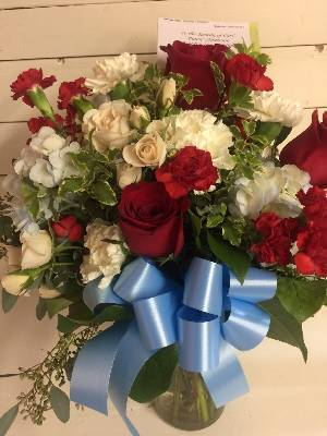 A 4 Star Customer Reviewed Flower Arrangement Designed by Rathbone's Flair Flowers of Tulsa in Jenks, OK