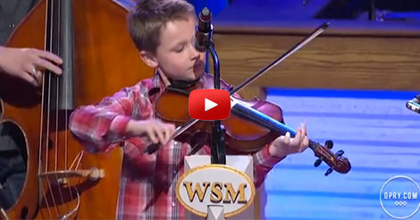 Amazing-Little-Fiddler-at-The-Grand-Ole-Opry-