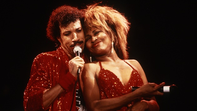 "Lionel Richie recalls memorable moments with ""living legend"" Tina Turner"