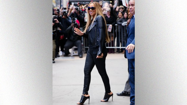 Mariah Carey shares throwback video of herself exercising in stilettos, Kerry Washington suggests Nike partnership