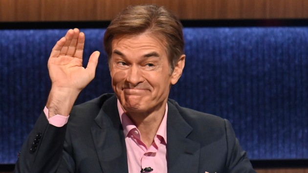'Jeopardy!' winner says Dr. Oz's guest-hosting stint a bit bumpy; Aaron Rodgers nailing the gig