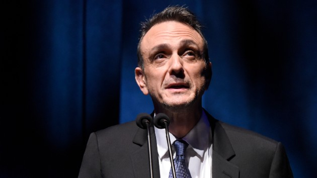 "'Simpsons' star Hank Azaria says he wants to apologize to ""every single Indian person in this country"" for voicing Apu"