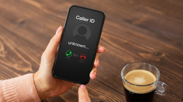 FCC shares tips to prevent, stop robocalls