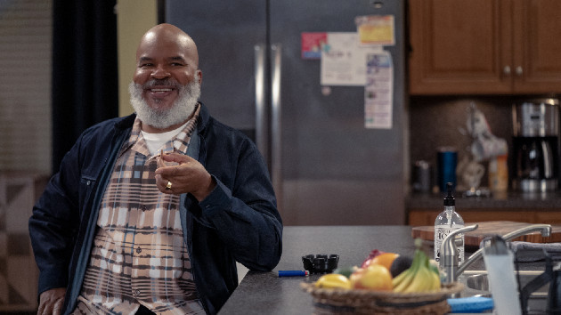 """David Alan Grier says he hopes """"Black female creators"""" lead the way for Black sitcoms: """"Those are the voices we need"""""""