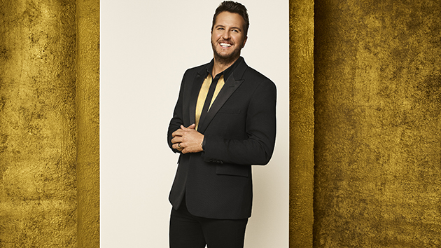 """Luke Bryan credits family for getting him through """"challenging"""" COVID-19 experience"""