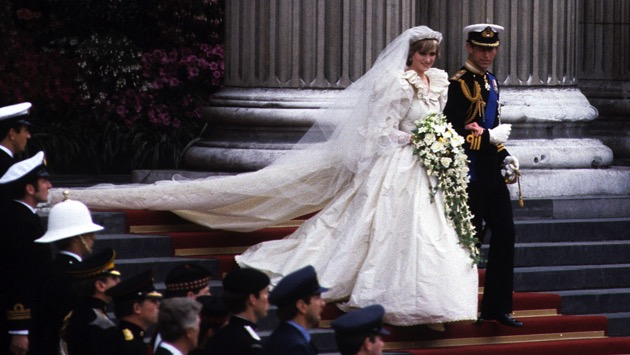 Princess Diana's wedding dress will displayed at Kensington Palace