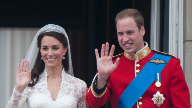 Prince William and Kate mark 10th wedding anniversary, release new photos
