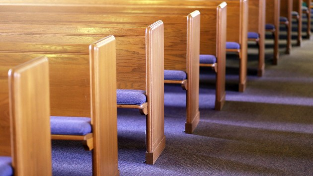 Oregon church won't close after COVID-19 outbreak infected 74 members, pastor says