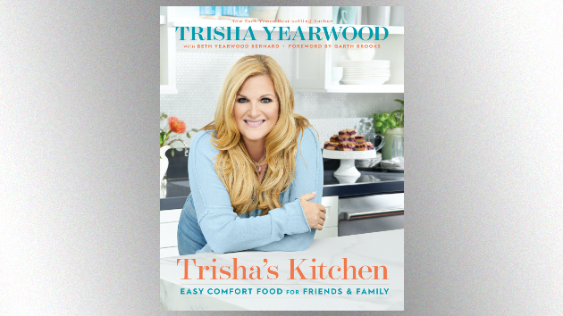 Trisha Yearwood's cooking up something special for her hero, Linda Ronstadt