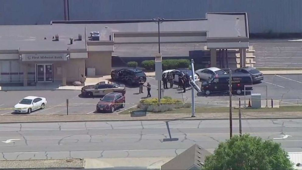 Security guard shot and killed in ambush during attempted bank robbery