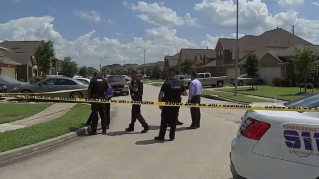 Man shot to death during car sale in possible robbery attempt: Officials