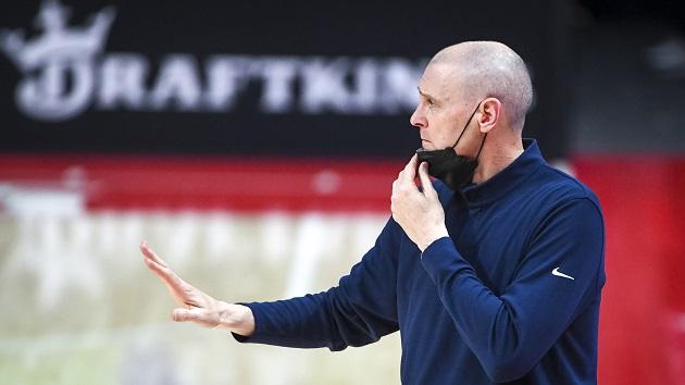 Longtime Mavericks coach Rick Carlisle resigns