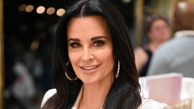 """'RHOBH' star Kyle Richards says she """"can laugh"""" now after being hospitalized for bee stings"""