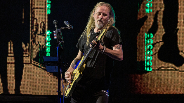 """Alice in Chains' Jerry Cantrell releases new song """"Atone"""" off upcoming 'Brighten' solo album"""
